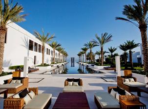 resort-pool-hotel