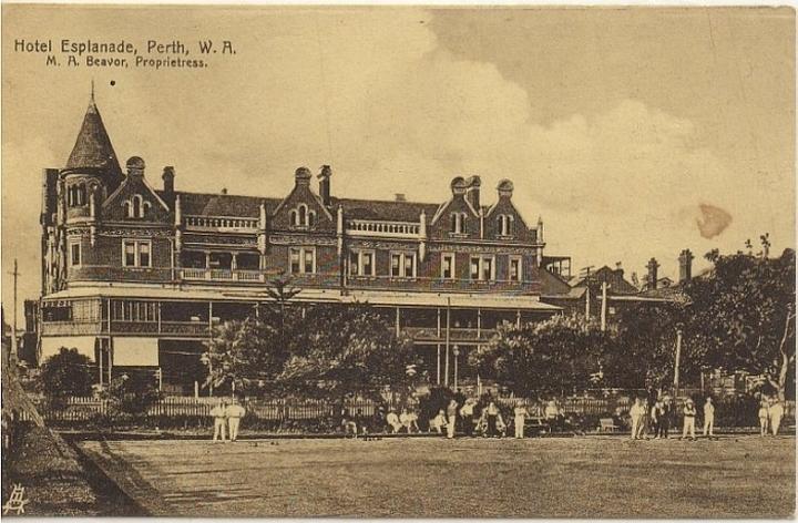 old-esplanade-hotel-australia